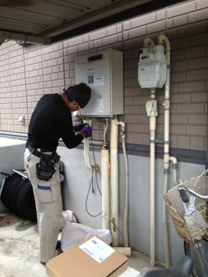給湯器取替工事 長野市宮沖でガス給湯器取替工事