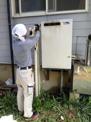 給湯器取替工事 飯綱町川上で石油給湯器取替工事